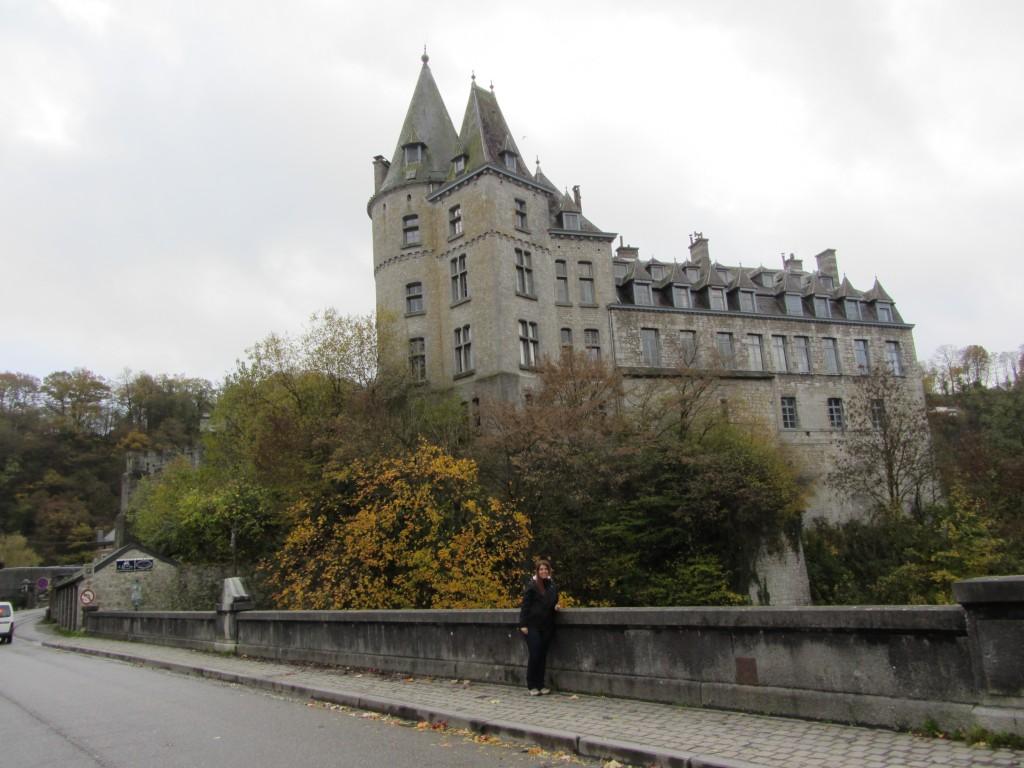 Precioso castillo que no podíamos visitar porque vivía gente, no es mal sitio para vivir