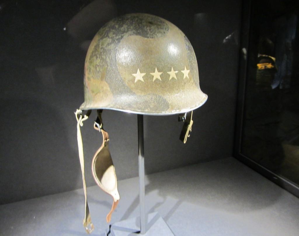 Casco americano de la Segunda Guerra Mundial muy bien conservado
