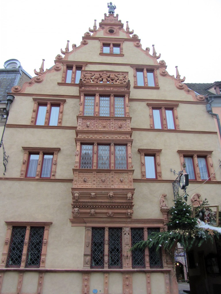 Uno de los edificios más curiosos de Colmar, la Casa de las Cabezas